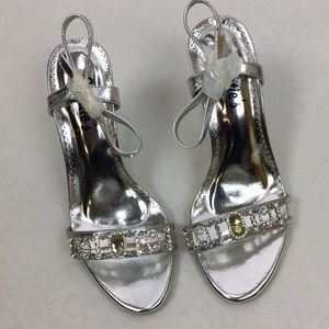 Sweeties Formal Heeled Silver Dress Shoes SZ 6.5